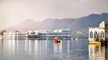 Udaipur Tour Package by Car